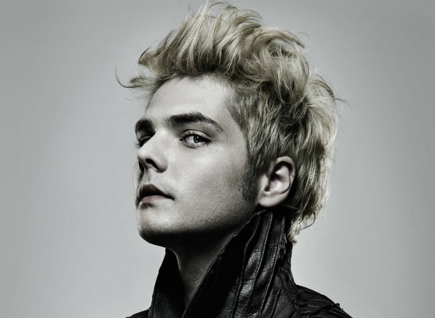 not to dis the one ansd only amazing gerardway but sometimes now he can  resemble a homeless man